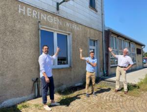v.l.: Bürgermeister Daniel Iliev sowie die Vorsitzenden der SPD-Unterbezirke Maik Klotzbach (Wartburgkreis) und Torsten Warnecke (Hersfeld-Rotenburg)