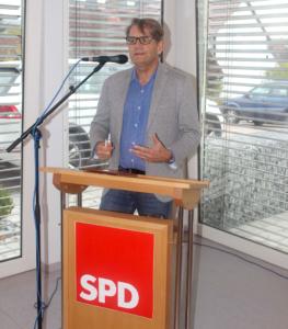 Thomas Schwarze während seiner Rede. Bild: Thomas Giese (nh)