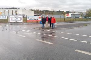 v.l.: SPD-Fraktionsvorsitzender Andreas Nennstiel, Landtagsabgeordneter Torsten Warnecke, ehrenamtlicher Vize-Landrat Thomas Giese und Philippsthals Bürgermeister Ralf Orth an der Einfahrt in die Ulstertalstraße von der B62